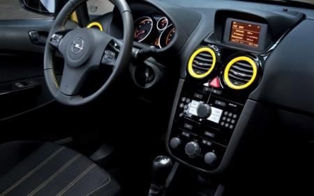 Interior Corsa Color Race