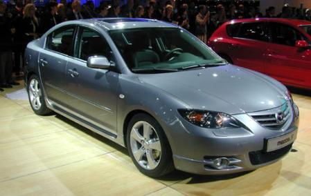 Los autos lujosos Mazda 3 y Mazda 5 tienen fallas