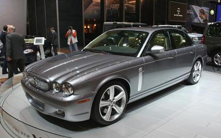 Los híbridos fichan a Jaguar